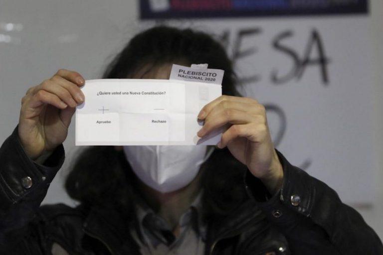 Académicas detallan desafíos de una histórica convención constitucional paritaria