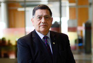 Dr. Rolando Hernández Mellado